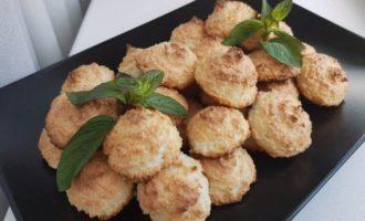 Biscuiți cu fulgi de cocos