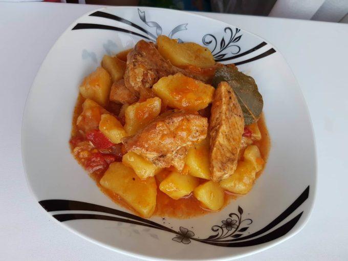 Cartofi scăzuți cu carne