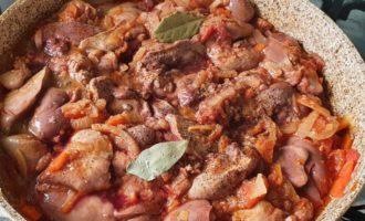 Ficăței de pui în sos de roșii